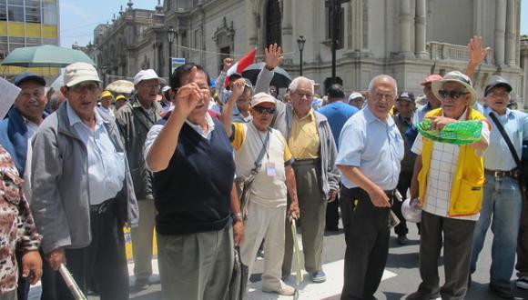 AFP: Congresista Galarreta pide un cálculo más realista. (USI)