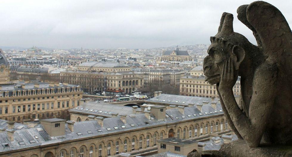 La catedral gótica, entre muchas otras cosas, llama la atención por las esculturas de las gárgolas. La función de estas es evacuar el agua de los tejados en épocas de lluvia. (Foto: Pixabay)