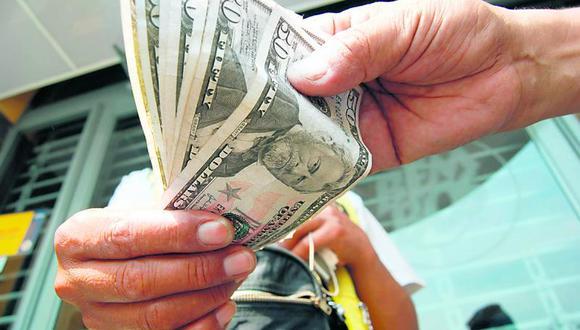 El dólar se vendía a S/ 3.550 en el mercado paralelo este lunes. (Foto: GEC)