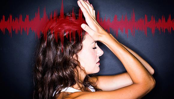 El dolor de cabeza o la migraña son síntomas comunes. (Getty Images)