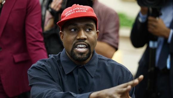 En esta fotografía de archivo del 11 de octubre de 2018, el rapero Kanye West habla durante una reunión en la Oficina Oval de la Casa Blanca, Washington (Estados Unidos). (AP/Evan Vucci).