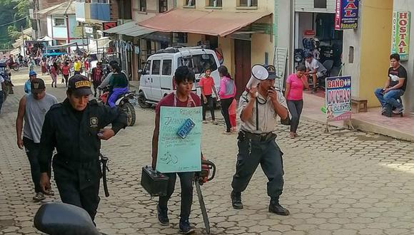 Puno: Ronderos pasean a ladrón con bienes que robó a agricultor (Foto: PNP)