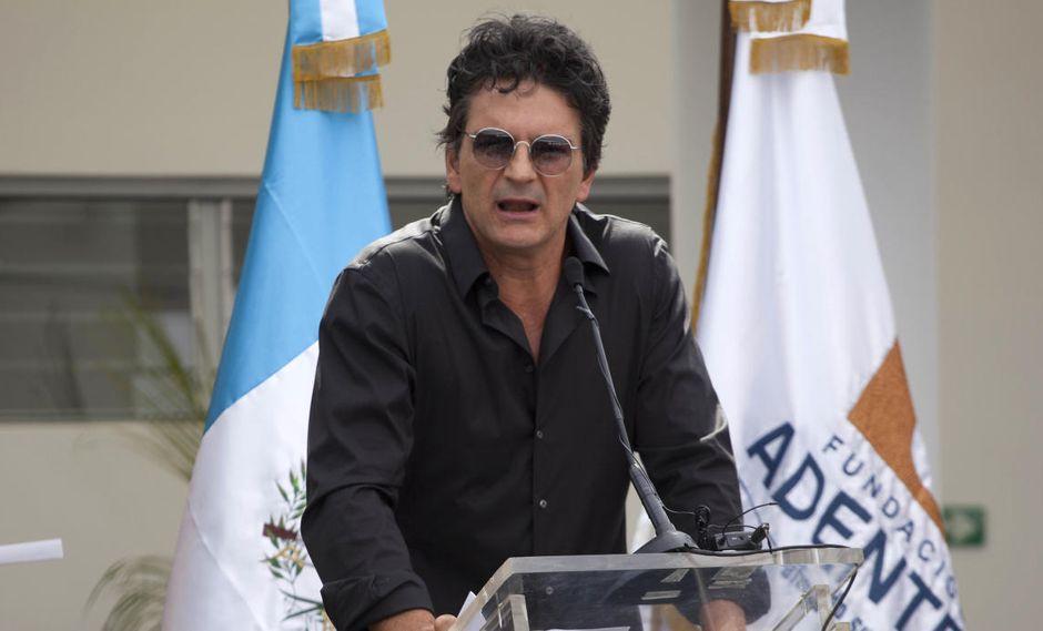 Ricardo Arjona inauguró su segunda escuela en Guatemala. (AP)
