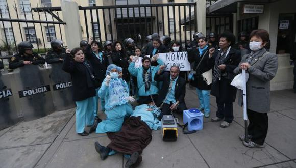 Los médicos llevan once días de huelga nacional indefinida. (César Fajardo)