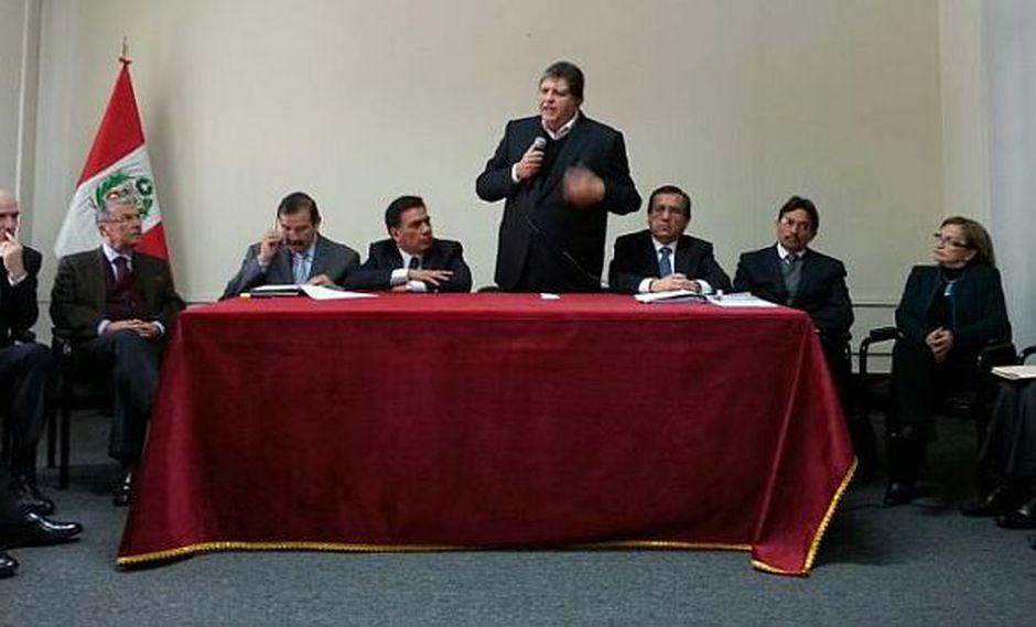 Alan García ofreció conferencia junto a exministros. (Patricia Quispe V.)