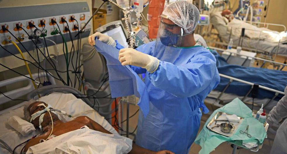 Brasil rebasa los 1,6 millones de casos por coronavirus. (AFP / CARL DE SOUZA).