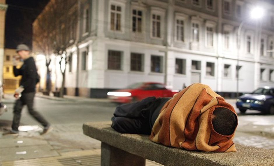 El sondeo fijó el umbral de la línea de pobreza para un hogar de cuatro personas en 417.348 pesos (US$ 627 dólares). (Foto: Reuters)