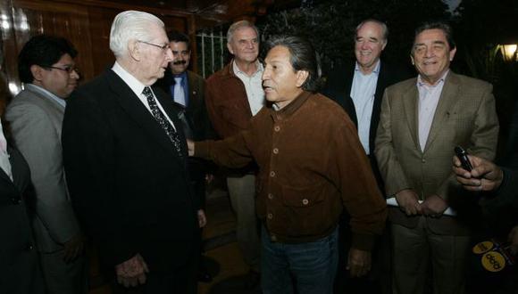 NO DA EL SÍ. Toledo se reunió anoche con dirigentes de Acción Popular y con su bancada. (Rochi León)