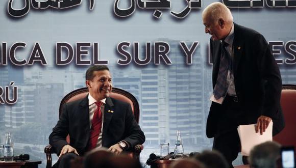 BUSCAN  INVERSIONES. Presidente Humala inauguró Encuentro empresarial de la Cumbre ASPA. (Rochi León)