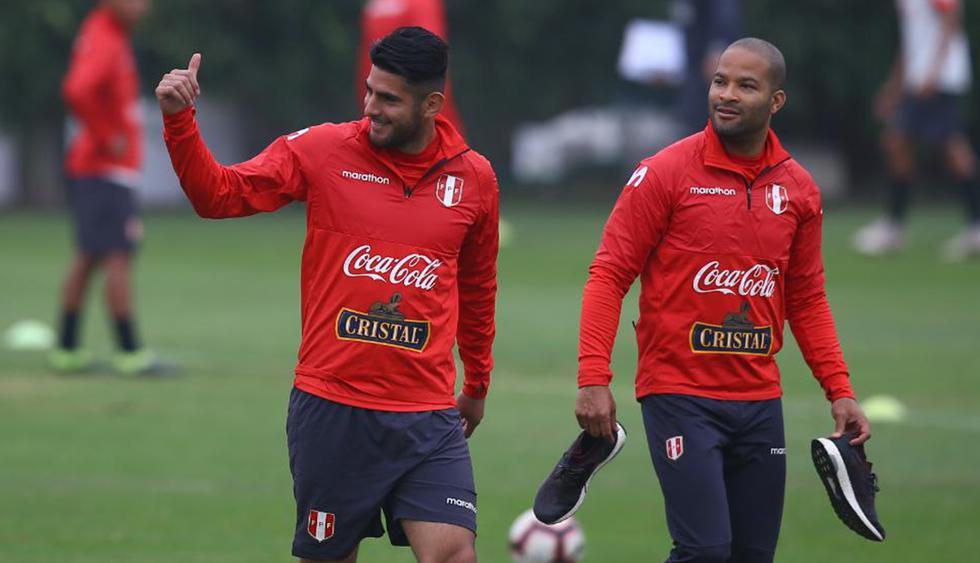 La selección peruana trabajó con la presencia de Carlos Zambrano como novedad. (Foto: Fernando Sangama)