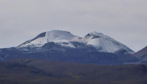 Volcán Sabancaya aumentó su actividad en los últimos dos días. (Difusión)