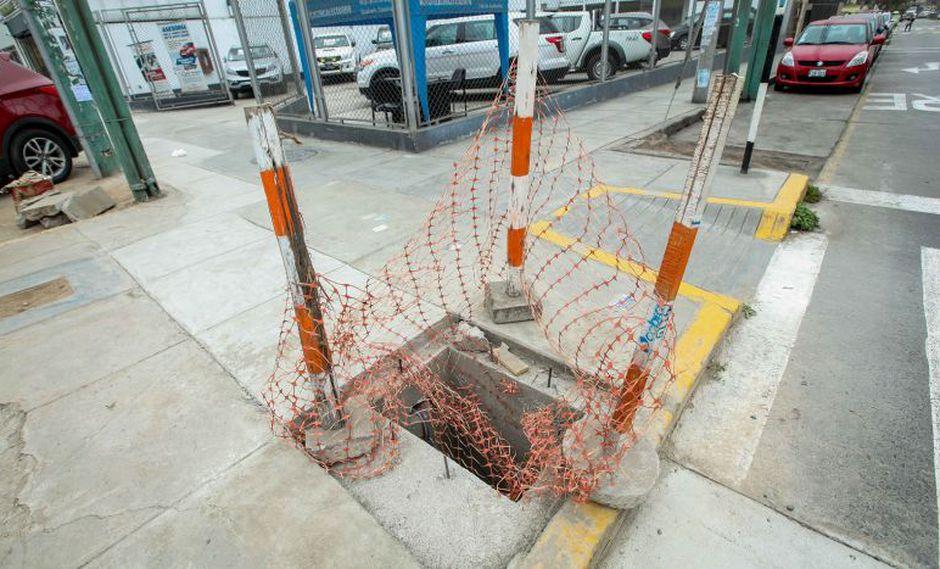 La comuna de San Borja aseguró que las obras inconclusas representan un peligro para el peatón. (Difusión)