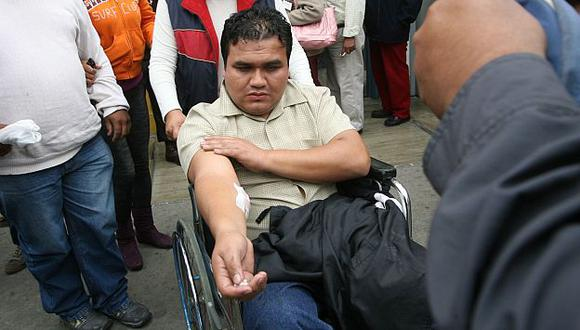 Vigilante muestra sus heridas. (USI)
