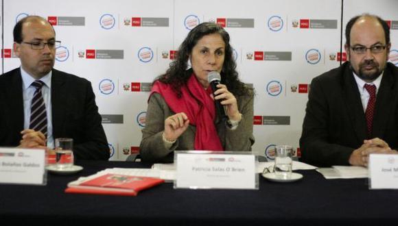 Salas estuvo acompañada de Fernando Bolaños y Martín Vegas. (Andina)