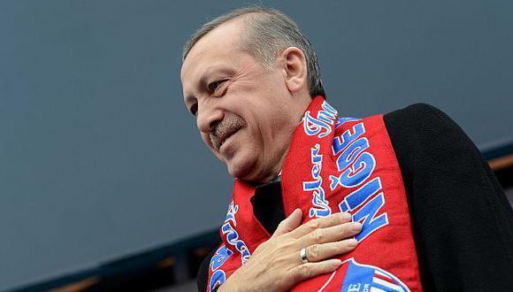 Turquía: Primer ministro quiere prohibir YouTube y Facebook  (