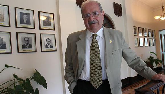 El alcalde Raúl Cantella falleció en una clínica local tras sufrir accidente cerebrovascular. (USI)
