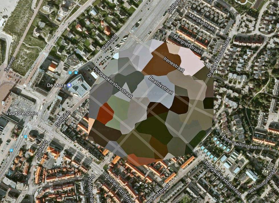 Google Maps muestra la inmensidad del planeta Tierra a través de imágenes que capta desde sus numerosos satélites. Además, con su servicio Google Street View ofrece imágenes panorámicas de las calles, siendo una herramienta muy útil para conocer el mundo o encontrar direcciones. No obstante, algunas partes de los mapas se encuentran difuminadas. (Google Maps)