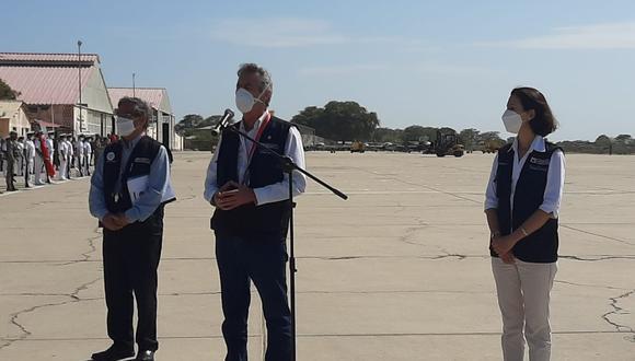 Piura: gobernador y alcalde se retiran porque no los dejaron pedir más vacunas a Sagasti. (Foto: Guisella Lachira)
