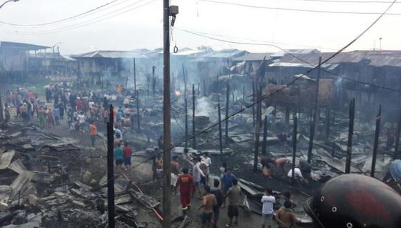 49 viviendas y 500 damnificados se han reportado tras el voraz incendio que azotó Iquitos. (Daniel Carbajal/ El Comercio)