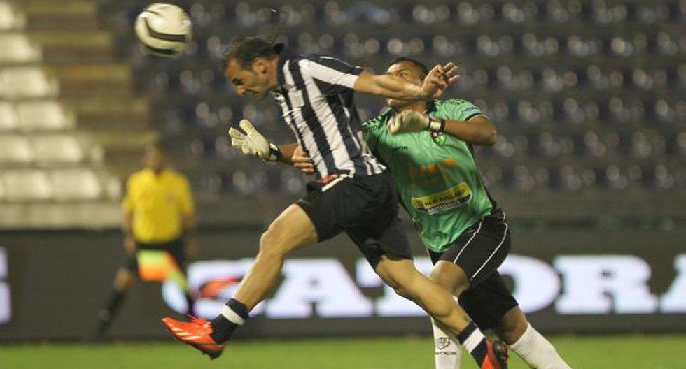 Mauro Guevgeozián marca el tercero de la noche y cierra la cuenta en Matute. Antes metió dos pase gol. (Fernando Sangama/USI)