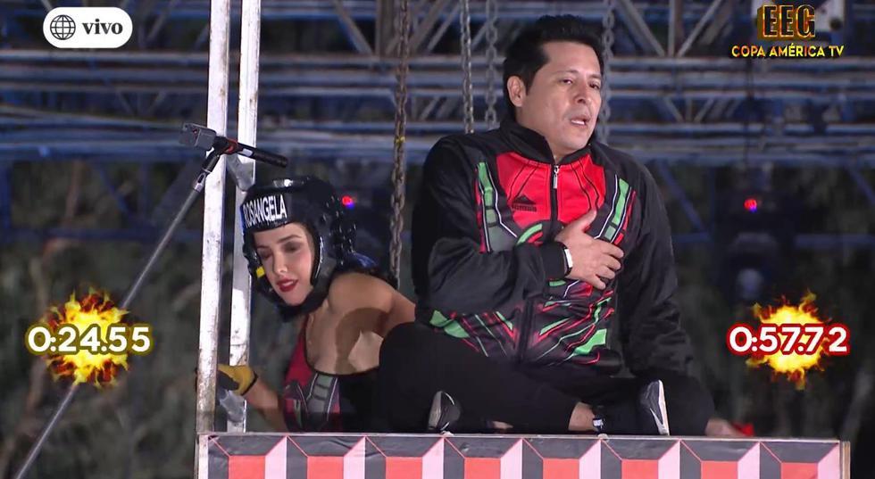 """'Carloncho' se negó a saltar de un juego 'por trauma' y Rosángela le dice: """"Hay que ser hombre"""". (Captura TV)"""