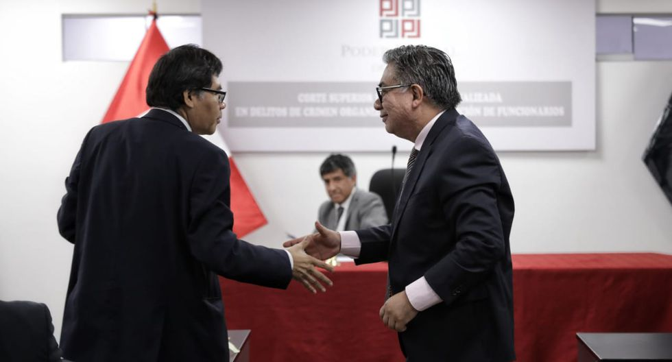El fiscal Germán Juárez y el abogado César Nakazaki presentaron sus alegatos en audiencia. Atrás, el juez Richard Concepción. (Anthony Niño de Guzmán/GEC)