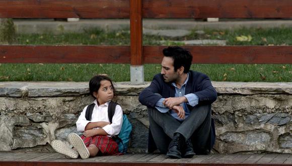 """La convivencia no es nada fácil para Oyku y Demir en """"Todo por mi hija"""" (Foto: Telemundo)"""
