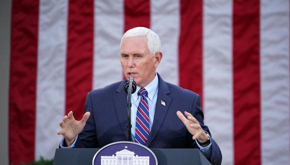 Mike Pence descartó que vaya a invocar la Enmienda 25 de la Constitución para destituir al presidente  Donald Trump. (Foto: MANDEL NGAN / AFP)