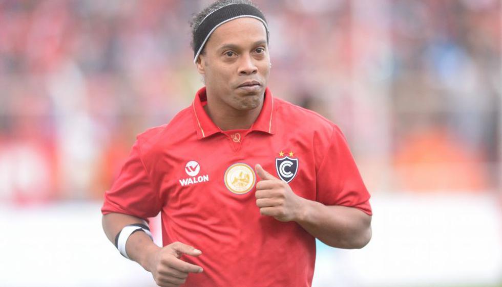 Cienciano goleó 3-0 a Sporting Cristal con la magia de Ronaldinho en el Cusco. (Cienciano)