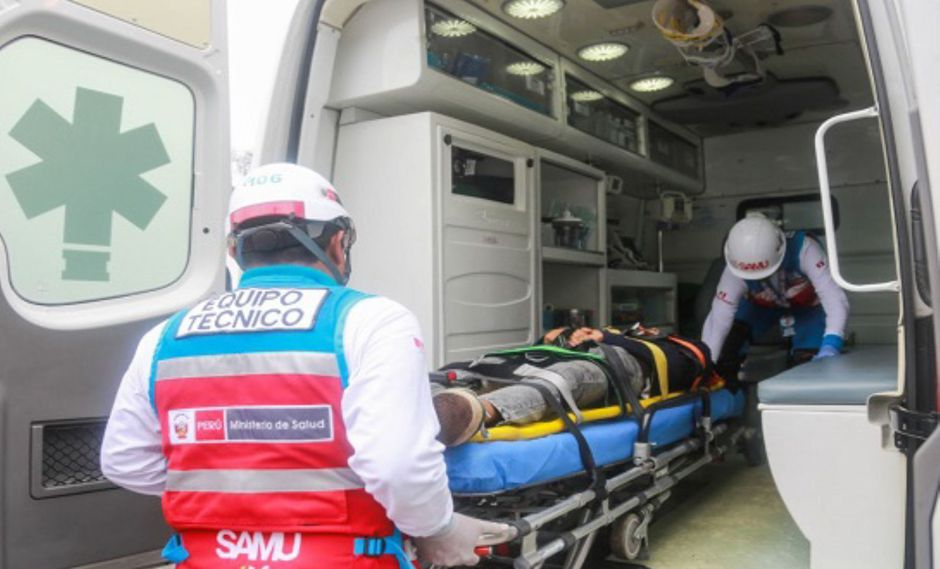 El joven resultó con varios cortes en diversas partes del cuerpo. Los médicos informaron que su estado de salud es crítico. (Foto: Andina)