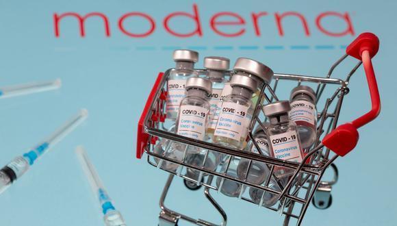 """La FDA sostiene que la vacuna de Moderna es """"segura y eficaz"""". (REUTERS / Dado Ruvic / Ilustración)."""