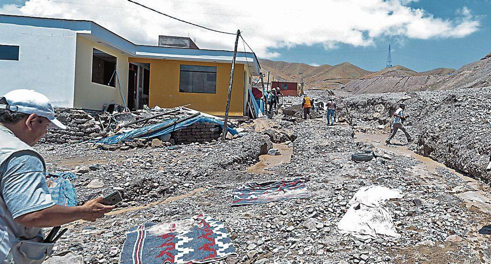 Se inundaron dos colegios.