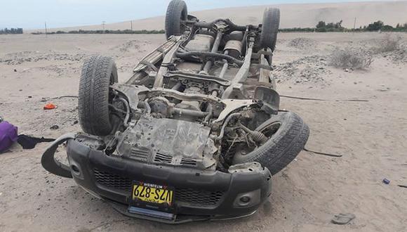 Así terminó el vehículo tras volcar. (Foto: Facebook La Voz del Sur)