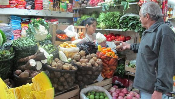 Peruanos beneficiados. (USI)