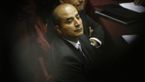 PÉREZ CONTRA PÉREZ. El jefe del Inpe cayó en contradicciones para no asumir su responsabilidad. (Mario Zapata)