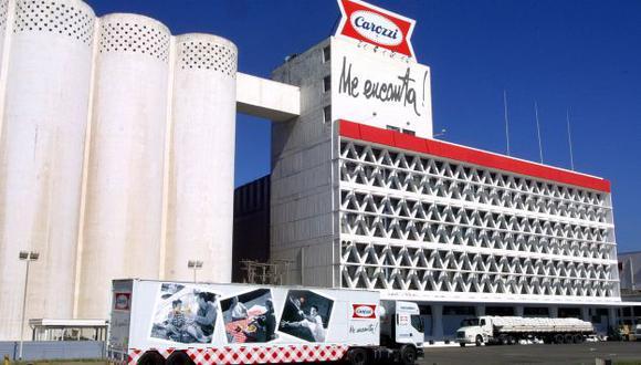 Carozzi se convirtió en la empresa líder en negocio de comida para mascotas. (La Tercera)