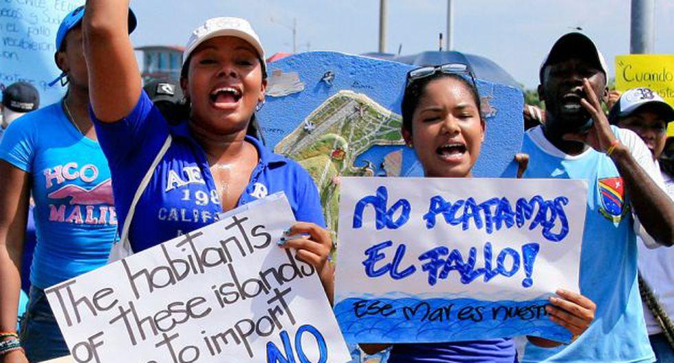 LO RESPALDAN. Los colombianos respaldarían un eventual retiro de la jurisdicción de La Haya. (Internet)