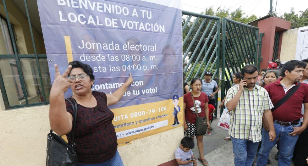 Ellos iniciaron su reclamo, debido a que se quedaron sin poder emitir su voto para estas Elecciones Extraordinarias Congresales 2020. (Foto: Francisco Neyra/ GEC)