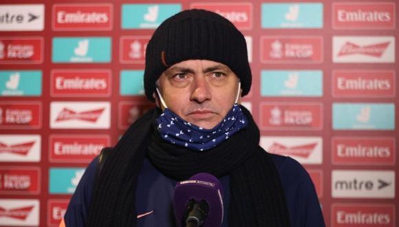 José Mourinho fue letal ala hora de responder a Mesut Özil (Foto: Reuters)