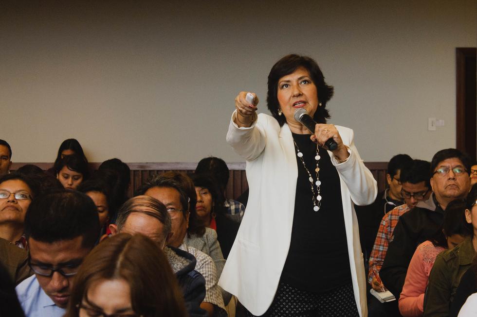 Rosario Martínez, conferencista internacional y coach en asesoramiento de tesis en varios países de Latinoamérica, te brinda unas recomendaciones que podrán orientarte en tu investigación