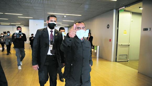 Nada positivo. Maraví sigue atornillado en el Ministerio de Trabajo gracias al presidente Castillo.