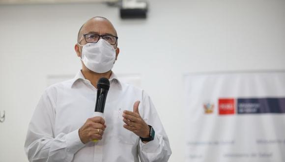 """""""En todos los países se mide a los fallecidos que tienen prueba de COVID-19 positivo"""", remarcó Víctor Zamora. (Foto: GEC)"""
