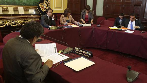 Comisión López Meneses se reunirá este martes para votar informe. (Martín Pauca)