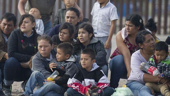 Burlarse de muertes de inmigrantes en redes sociales podría ser un delito en Estados Unidos. (AFP)