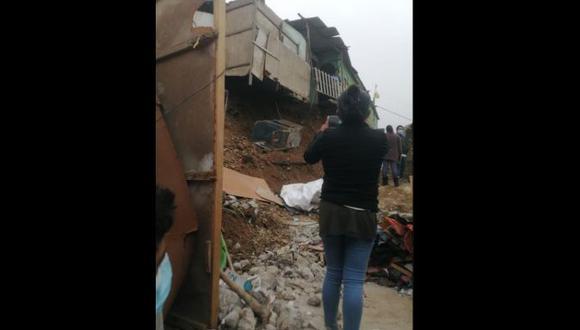 El derrumbe de un muro de contención dejó dos adolescentes heridos en Puente Piedra. | Foto: @COENPeru