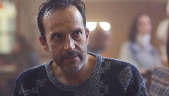 En la trama, Abel Martínez tiene problemas mentales; por ello, está recluido en un centro psiquiátrico. (Foto: Netflix)