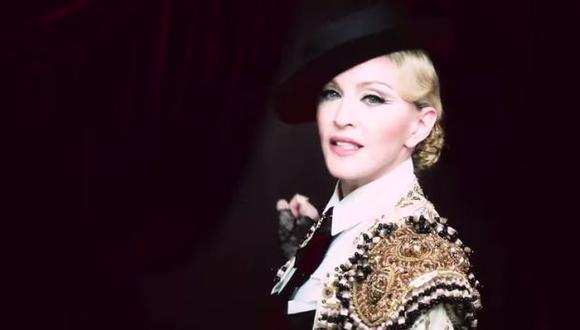 Madonna estrenó video 'Living for Love' en Internet. (YouTube)