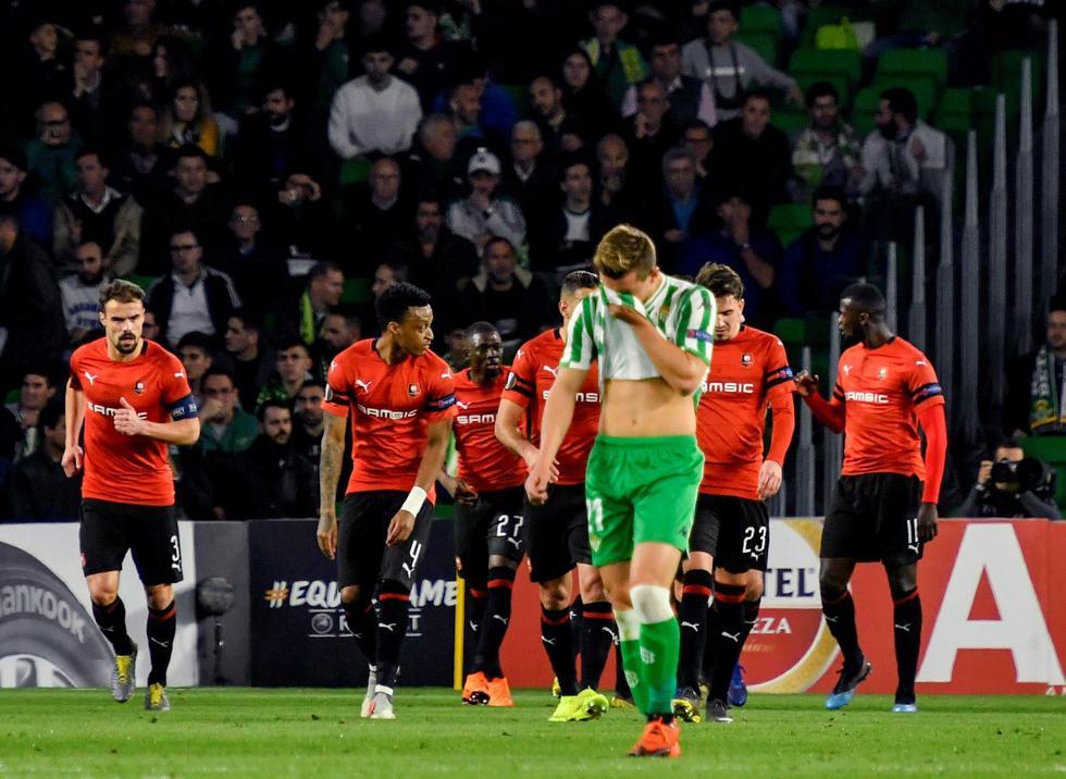 Real Betis quedó eliminado de la Europa League tras caer 3-1 ante Rennes. (EFE)