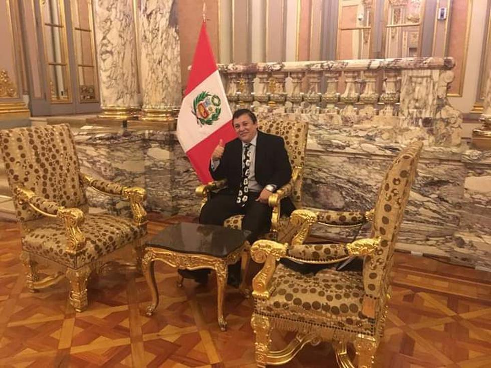 Richard Swing compartió esta foto en Palacio de Gobierno el 23 de agosto del 2018 en Facebook. (Foto: Richard Cisneros / Facebook / El Comercio)