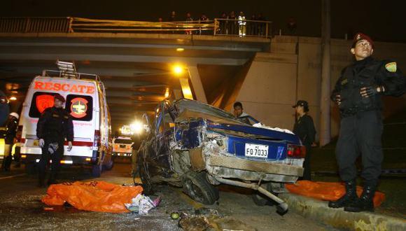 El exceso de velocidad causó este accidente en el Trébol de Monterrico. (José Caja/USI)